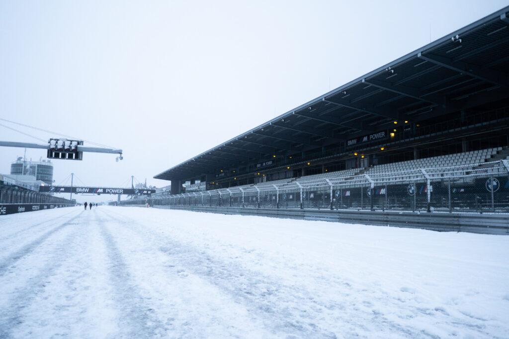 Nürburgring in weiß